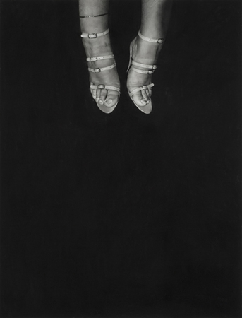 untitled (feet), 2012, pastel et fusain sur papier stonehenge / pastel and charcoal on stonehenge paper, 127 x 97 cm / 50 x 38""